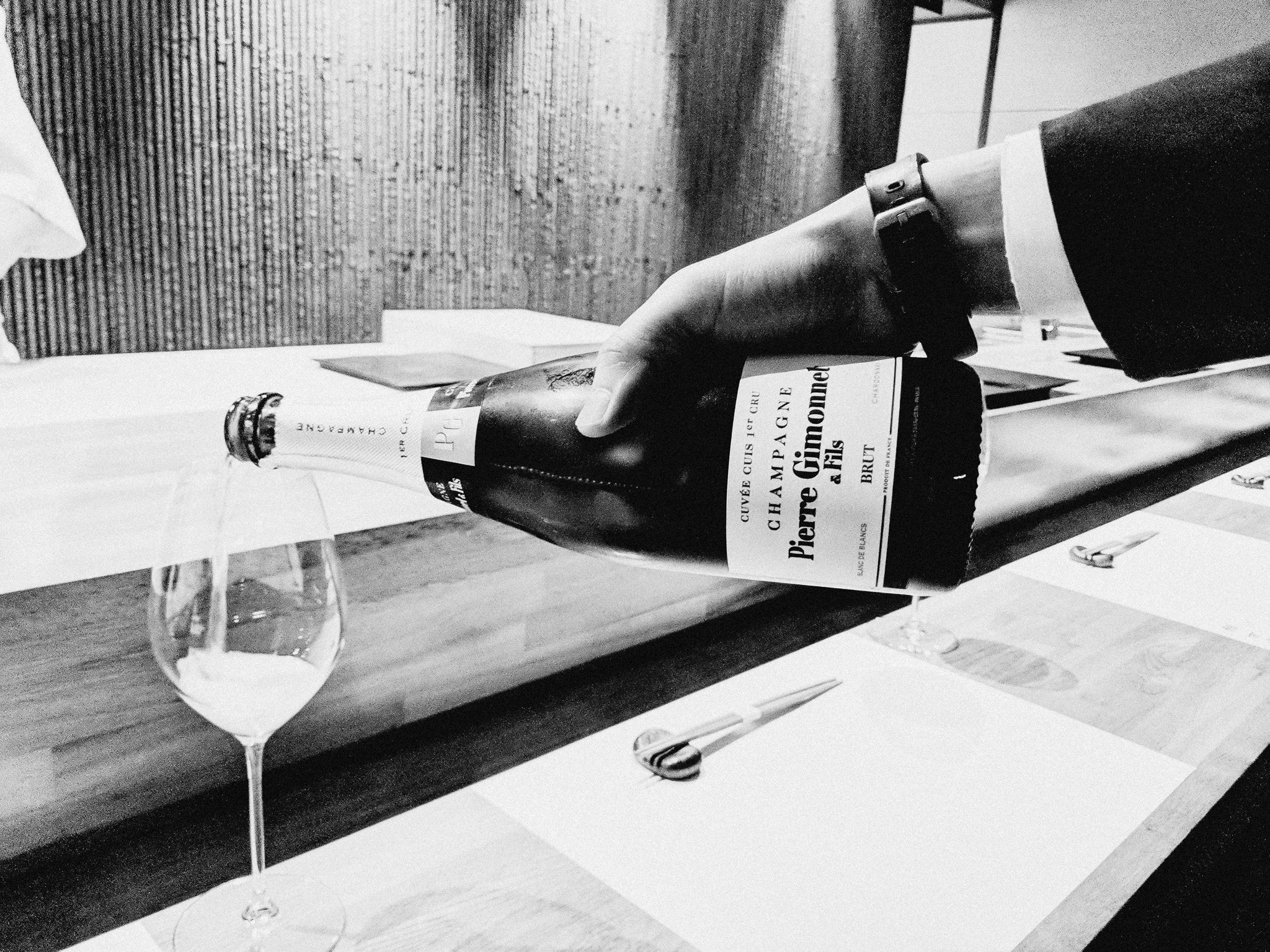 minamishima-melbourne-food-photographer-champagne