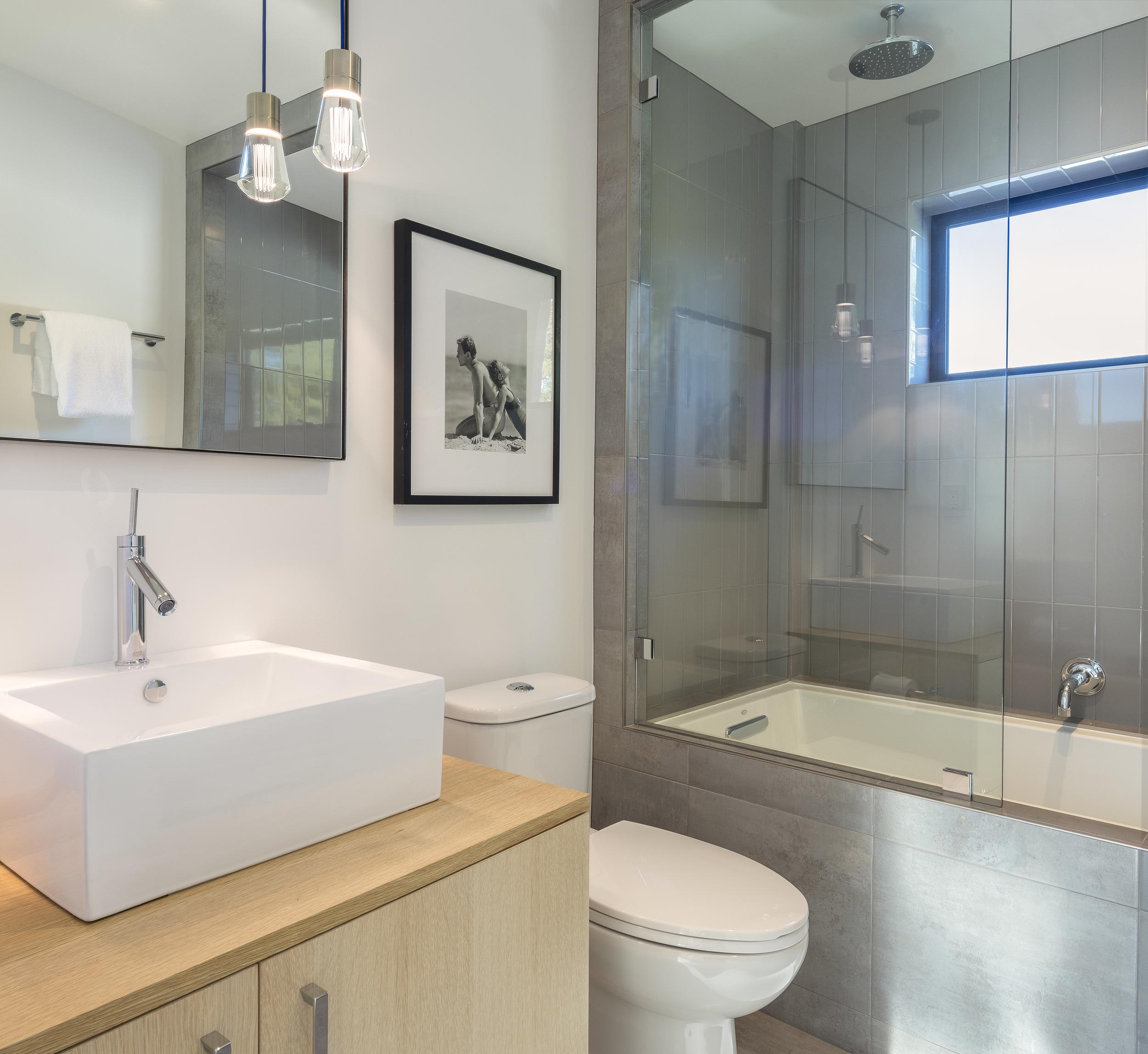 Scott_St_G_Bathroom.jpg