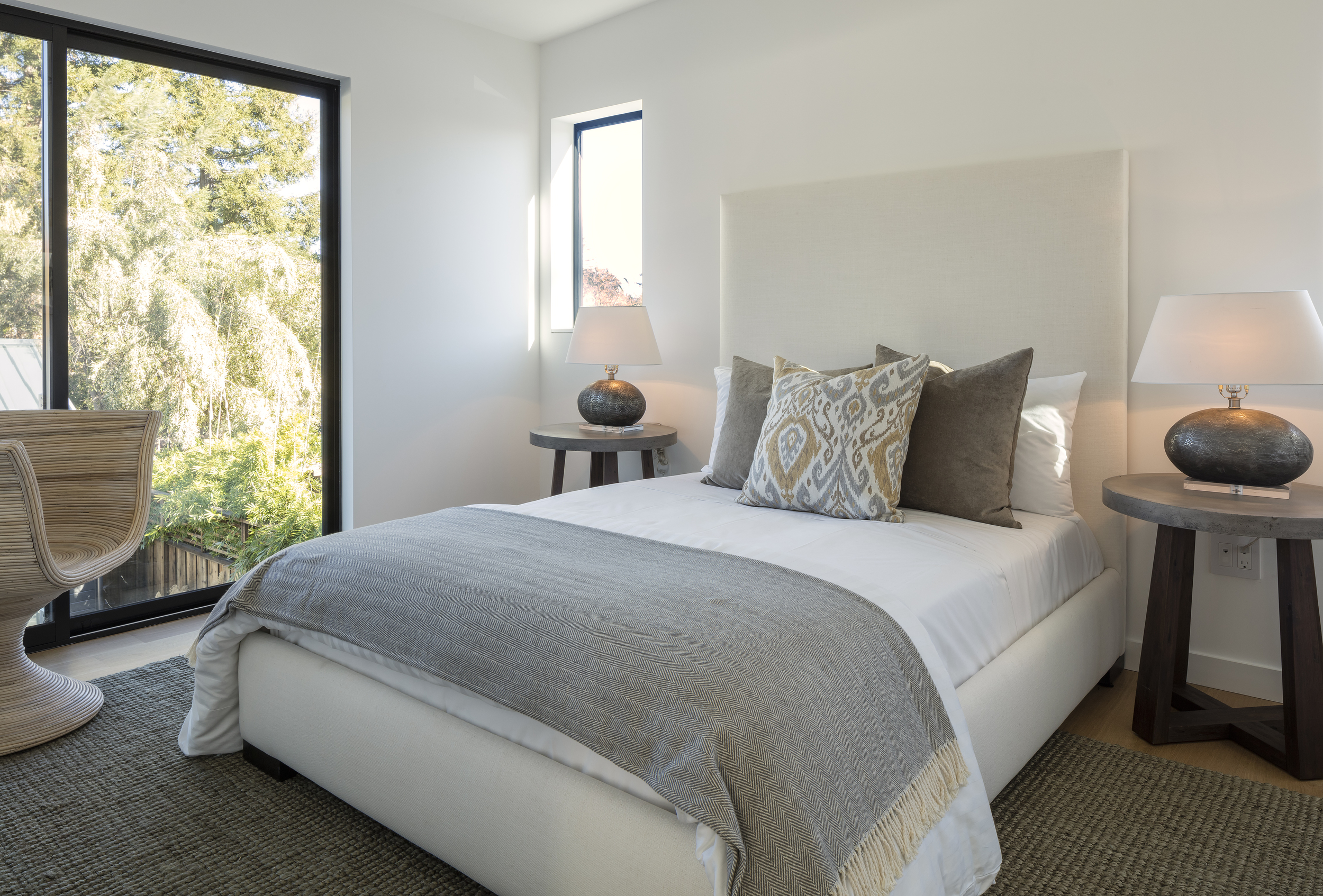 modern_home_interior_bedroom_napa.jpg
