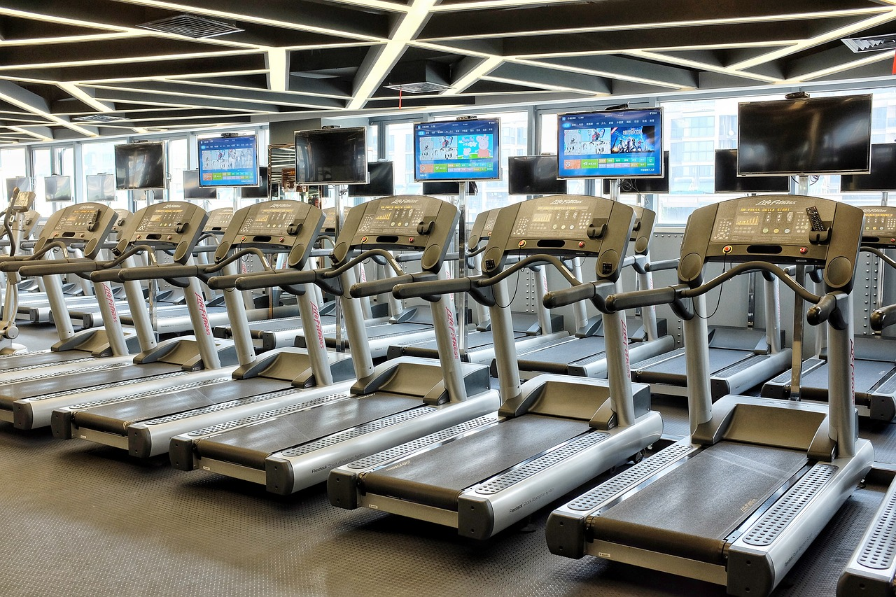 heleiqiang-treadmill-2704410_1280.jpg