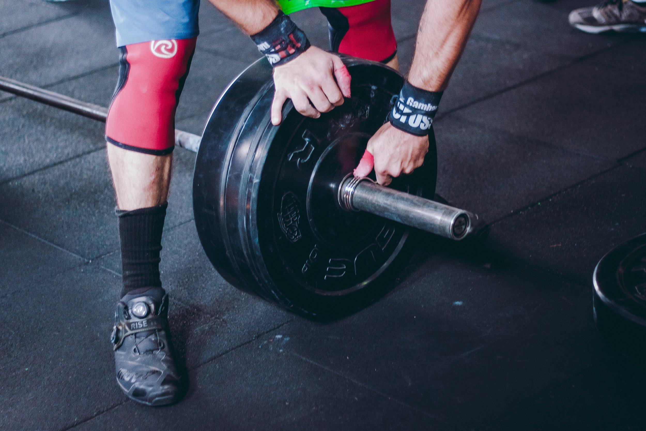 victorfreitas-athlete-barbell-bodybuilder-1092882.jpg
