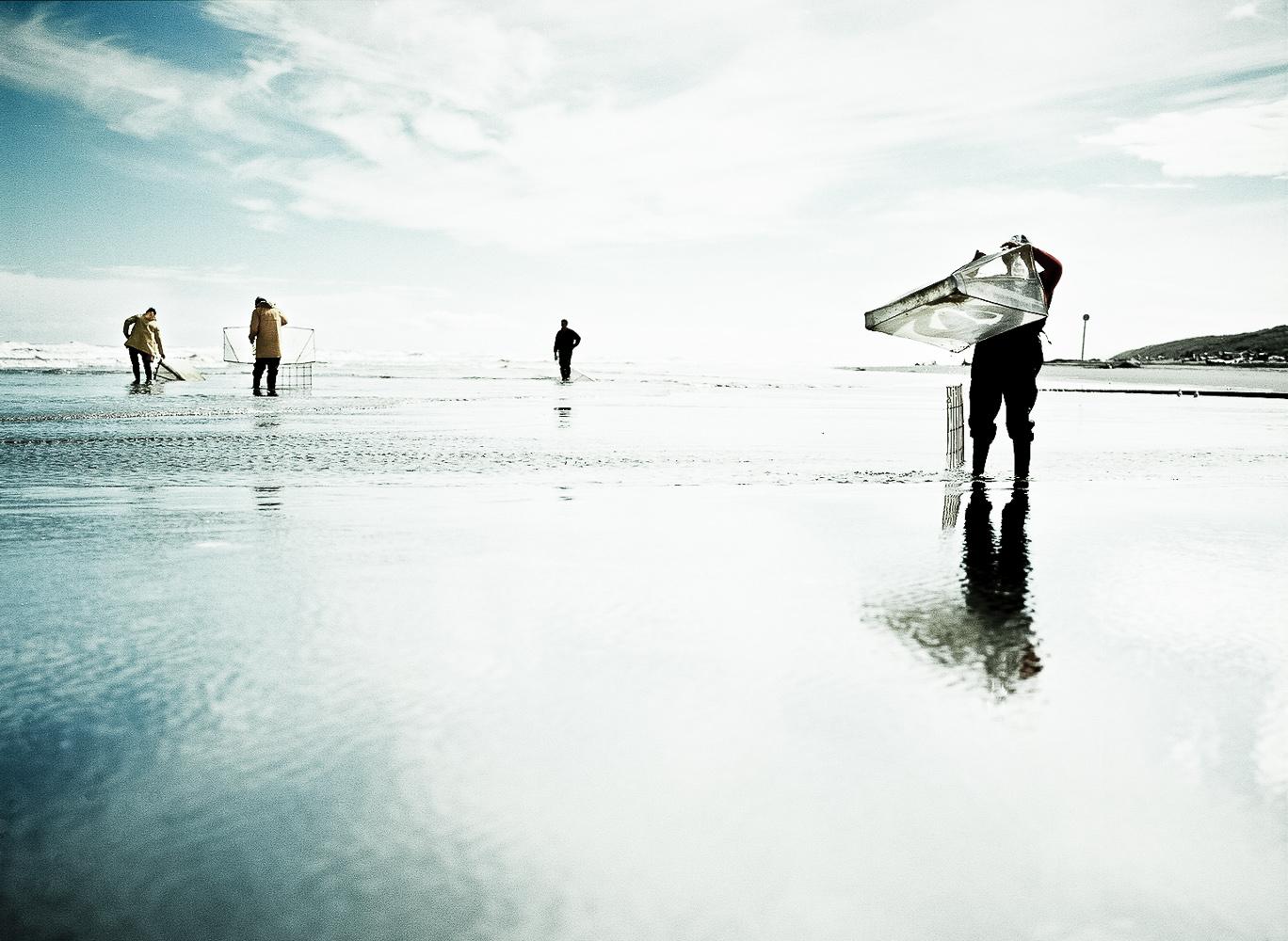 whitebait-man-net-Wellington-photo-Paul-Fisher.jpg