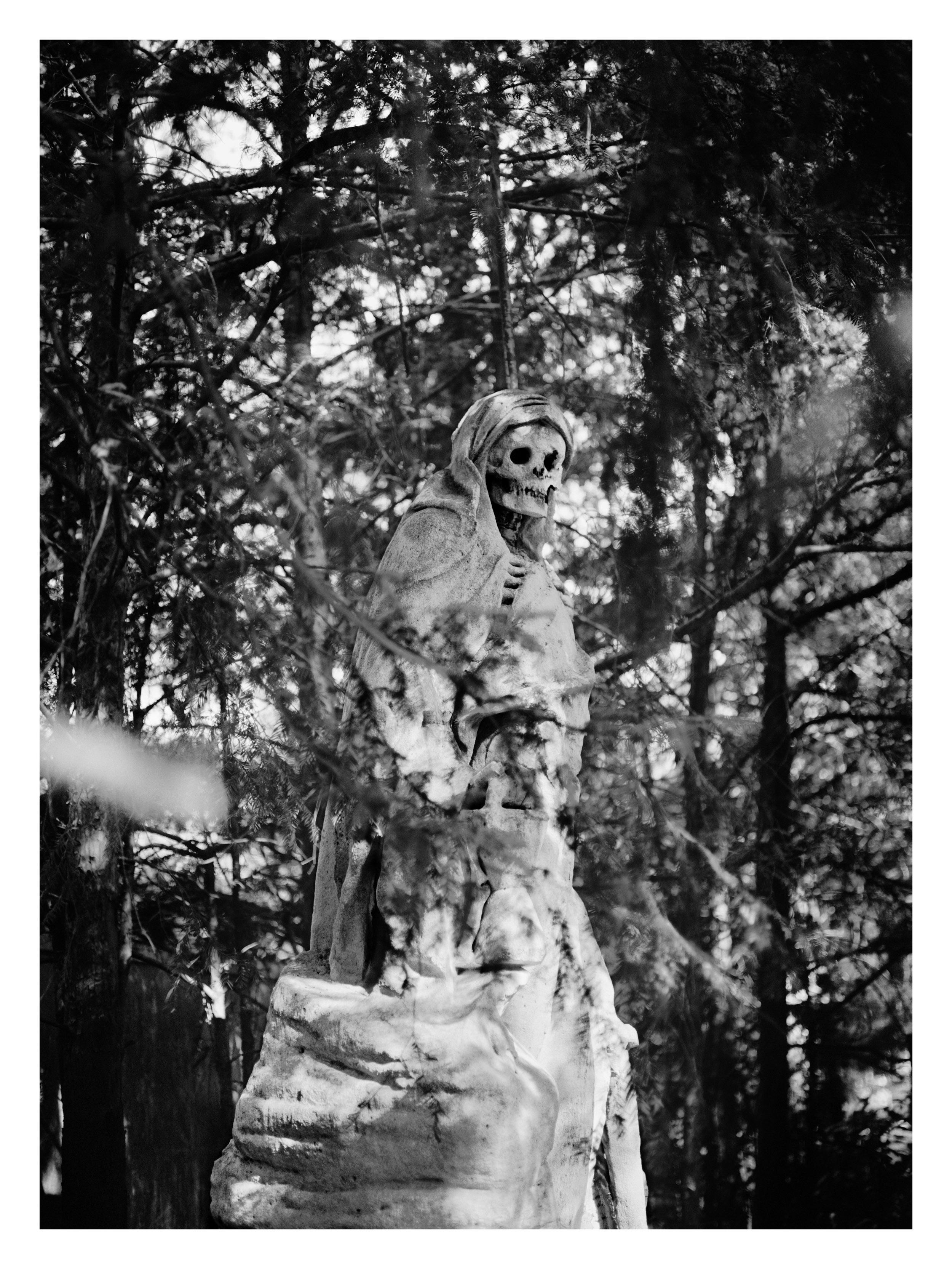 Margarete Jakschik  Untitled  2011 C-print 21h x 15w in Edition of 5 MJ012