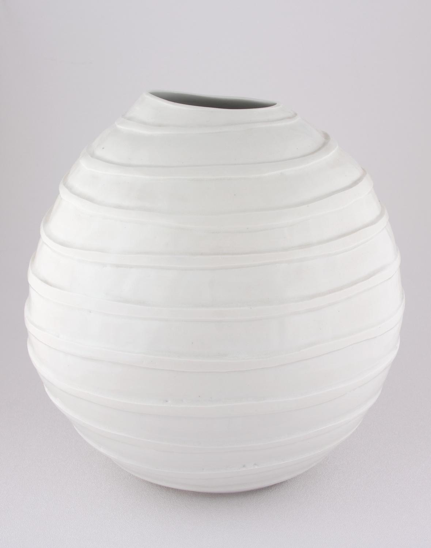 Shio Kusaka  Untitled (carved stripe)  2008 Porcelain 9 ¾h x 7 ¾w in K059