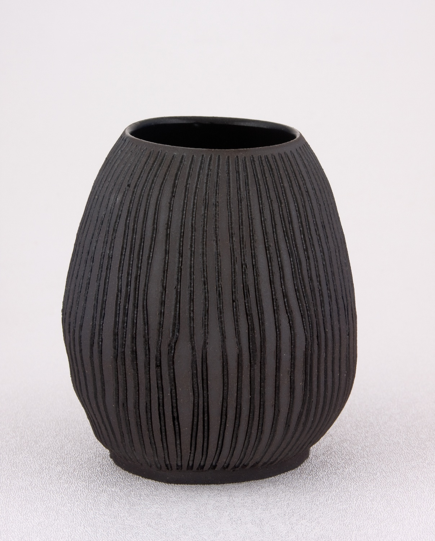 Shio Kusaka  Untitled (carved stripe 1)  2009 Stoneware 4 ½h x 4w in SK021