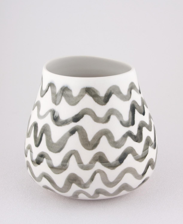 Shio Kusaka  Untitled (black wave 1)  2009 Porcelain 5 ¾h x 9 ½w in SK019