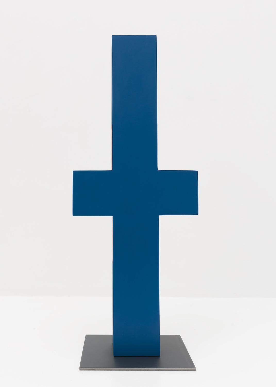 Lisa Williamson  Untitled  2015 Acrylic on wood, steel base 23 ½h x 9 ½w x 8d in LW147