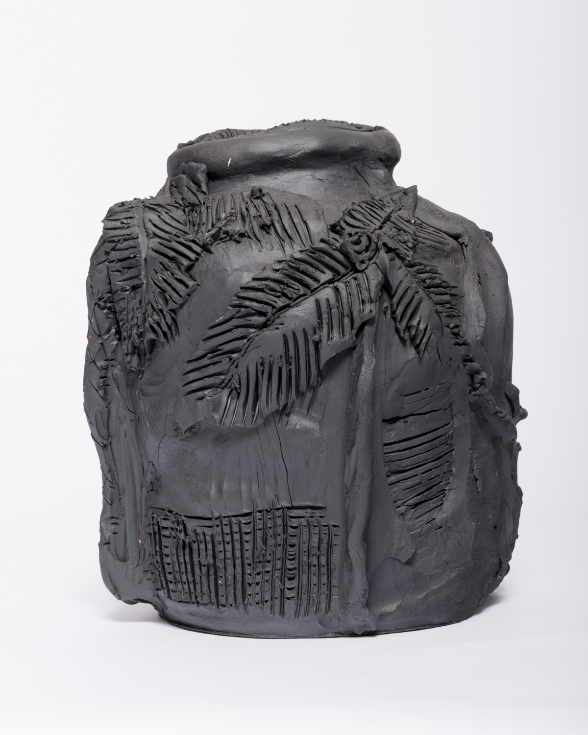 Alex Becerra Palms and Figures 2017 Cassius basaltic clay 11h x 8w x 8d in AB309