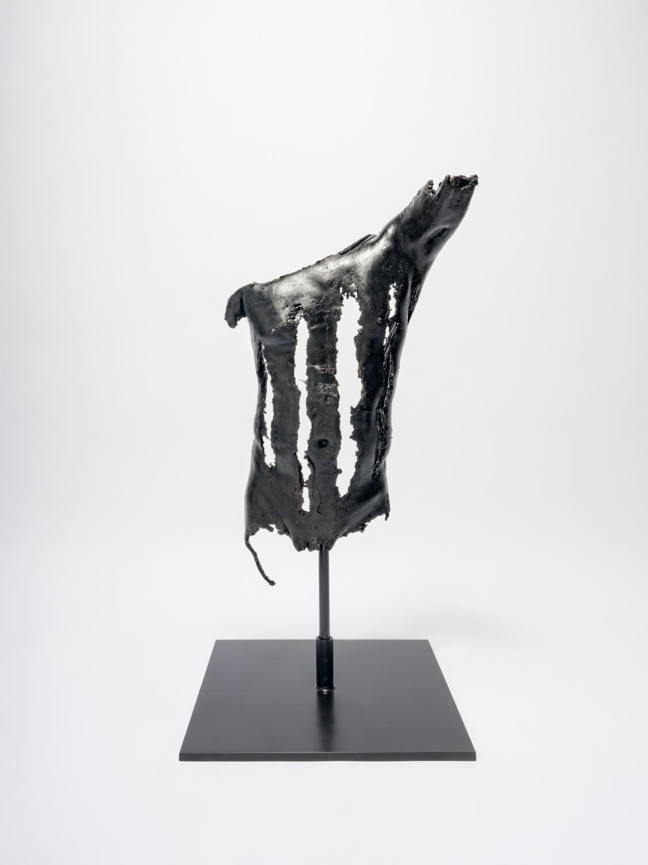 NaotakaHiro Harp b, 2018 Bronze, stainless steel rod, steel, black patina 43h x 20w x 12d in NaoH011