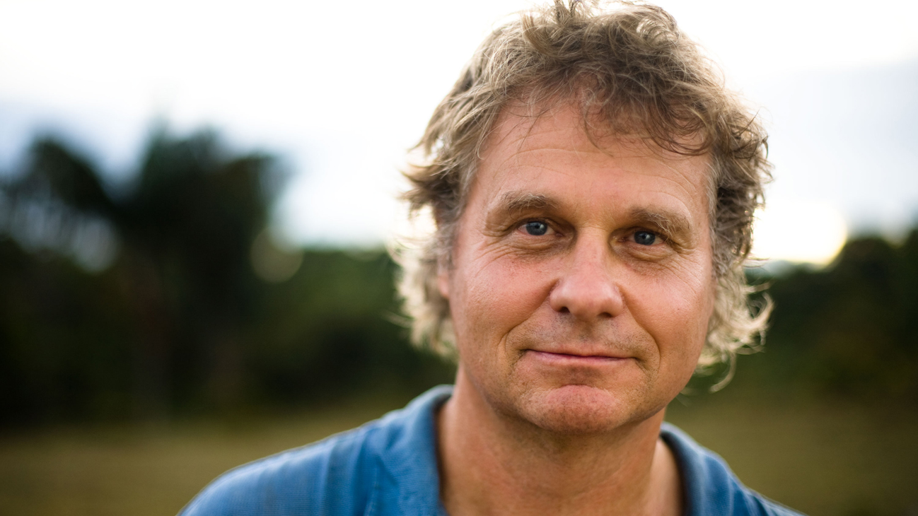 The featured speaker for 2015 Waterkeeper Gala Toronto, Wade Davis. (Sourced from  Speakers.ca )