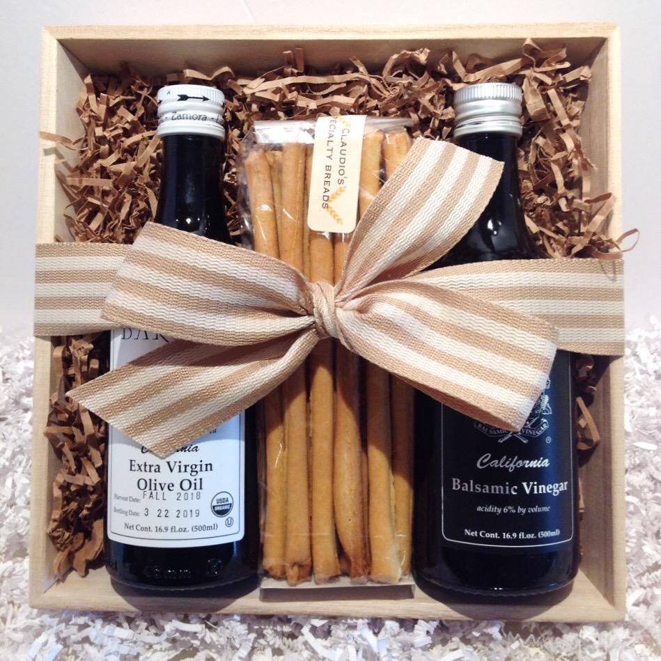 Olive-Oil-Balsamic-Breadsticks-Square.JPG