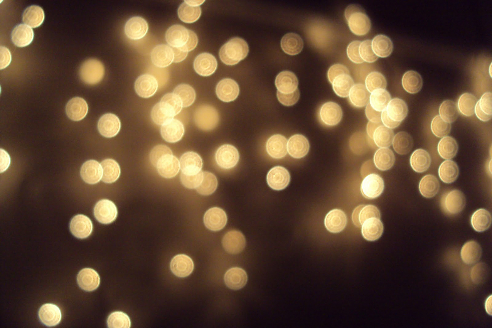 Fairy-Lights-Wallpaper-2.jpg