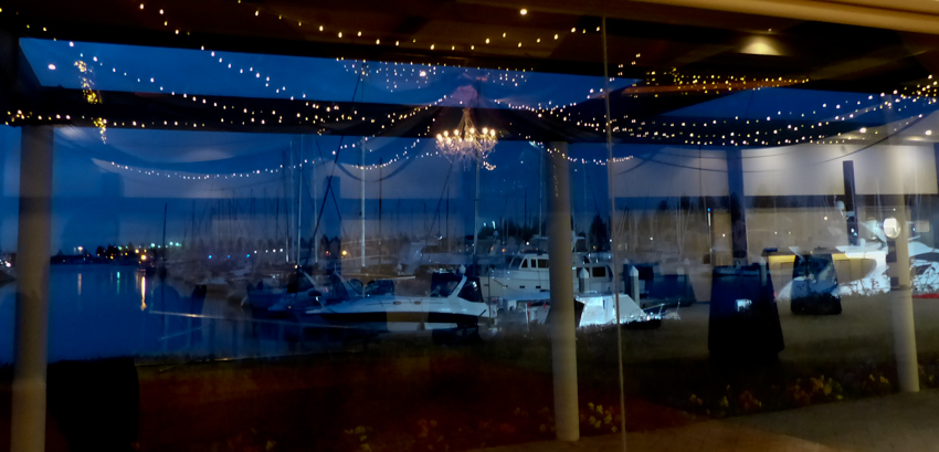 Made a beautiful reflection on those yacht club windows.