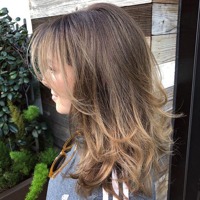 Lia. 💕✨ It's always a good day when she sits in my chair. #loveher What do you think of her new look?  #hairbymarissacydya using @wellahair #illumina • • • #sunkissedhighlights #losangeleshairstylist #hairlove #wellahair #wellacolor #salonrepublic #woodlandhillssalon #topangacanyon #handpainted #colormelt #maneaddicts #modernsalon100 #modernsalon #malibuhairstylist #calabasashairstylist