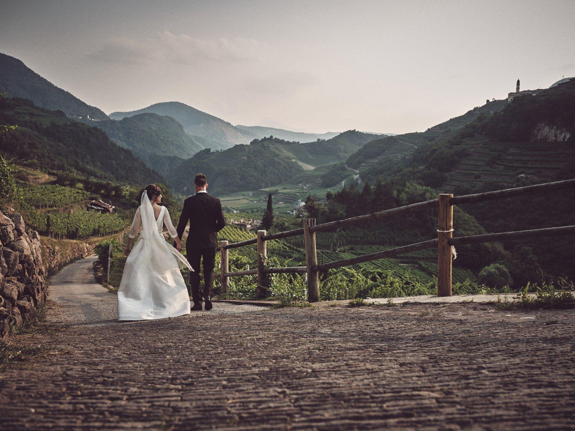 WEDDING - scopri Love Is Real