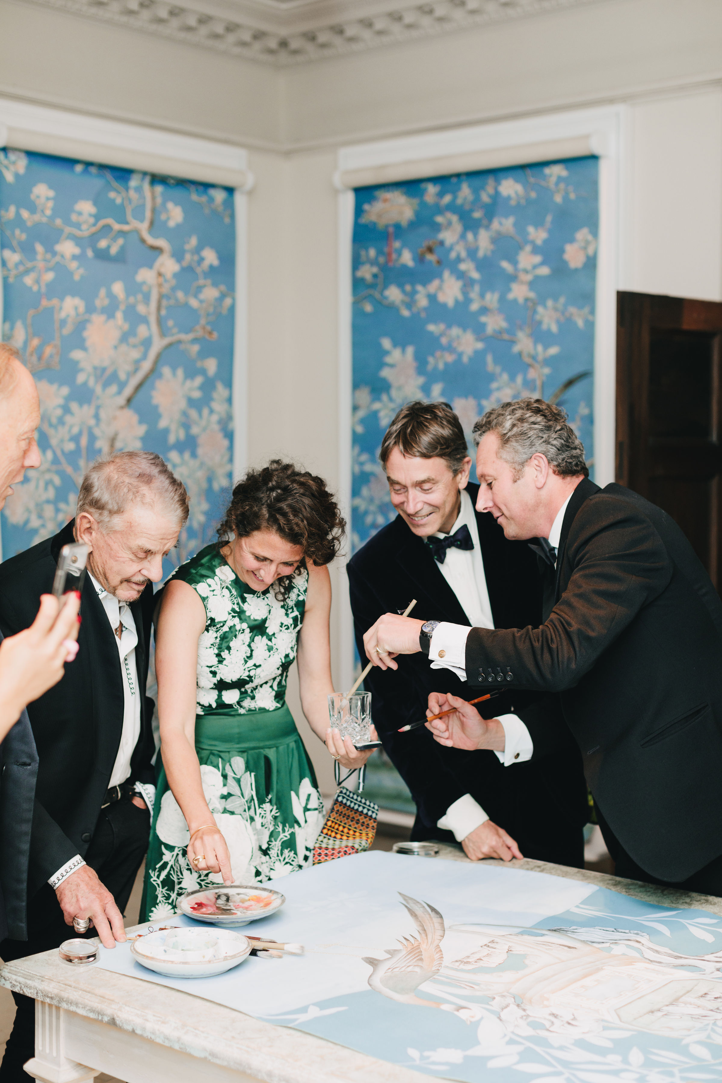 Nicholas Haslam, Lucy Hammond Giles (Colefax & Fowler), Lord David Cholmondeley & Dominic Evans-Freke (de Gournay) I.jpg