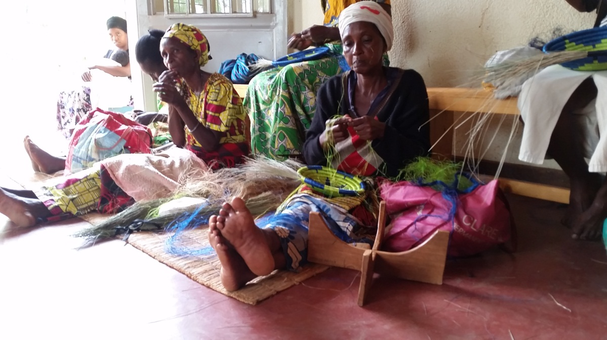 Basket weavers at the Indego Africa's Women Artisan Cooperative