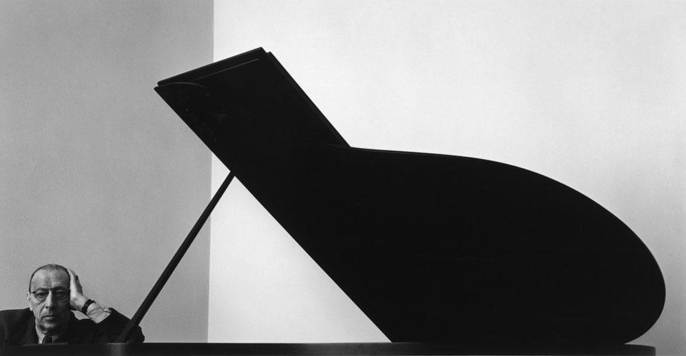 arnold-newman-composer-igor-stravinsky-piano-new-york-1946-portrait.jpg