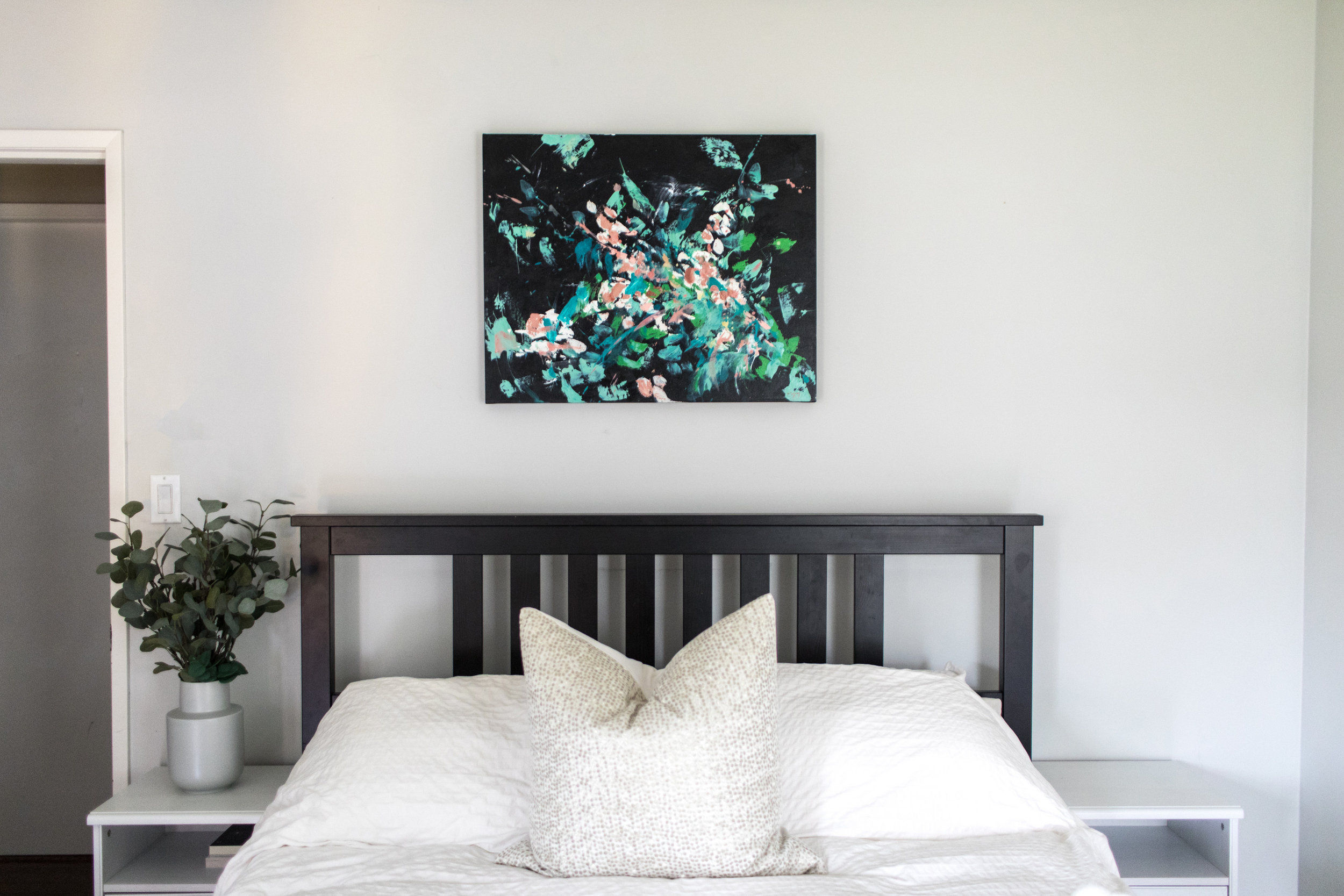 Dana/Mooney/Vancouver/Artist/Dried/Foliage/Styled/Bedroom