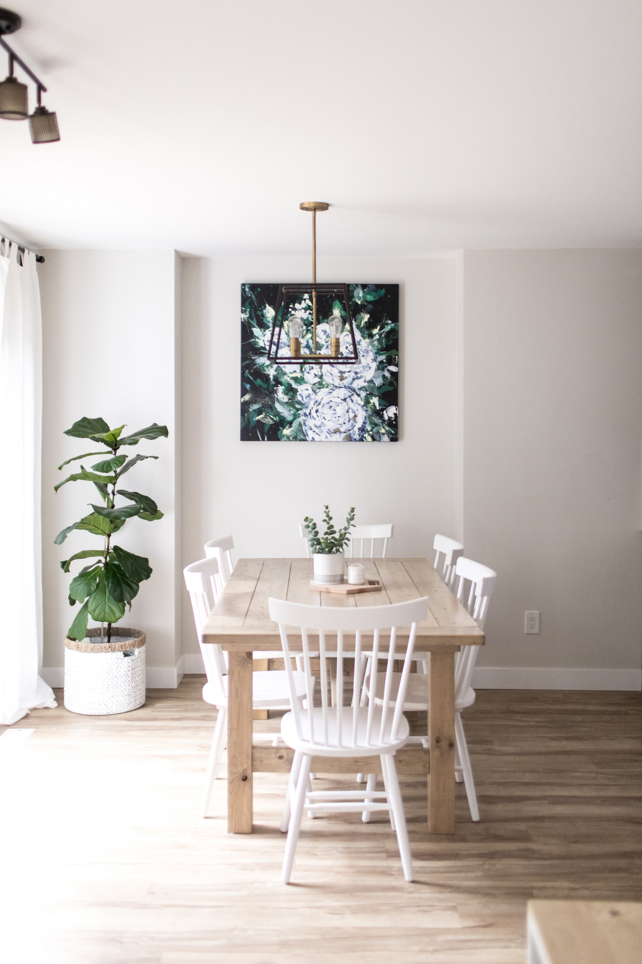 Dana/Mooney/Vancouver/Artist/Tumbling/Peonies/Styled/Dining/Room