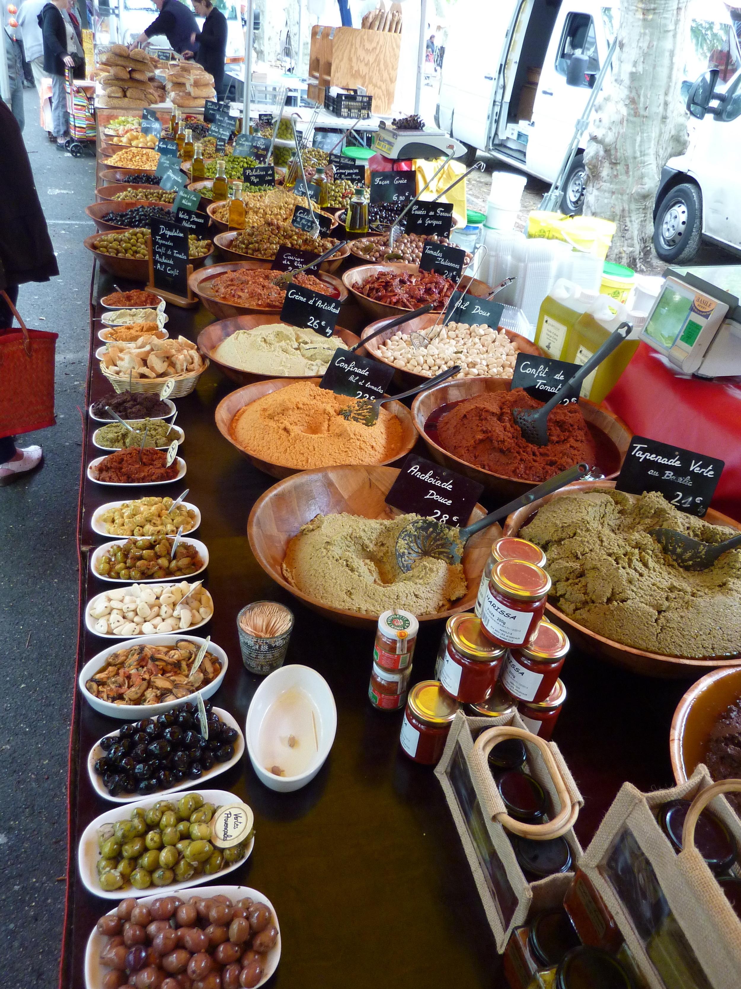 St Chinian Markt (4).JPG