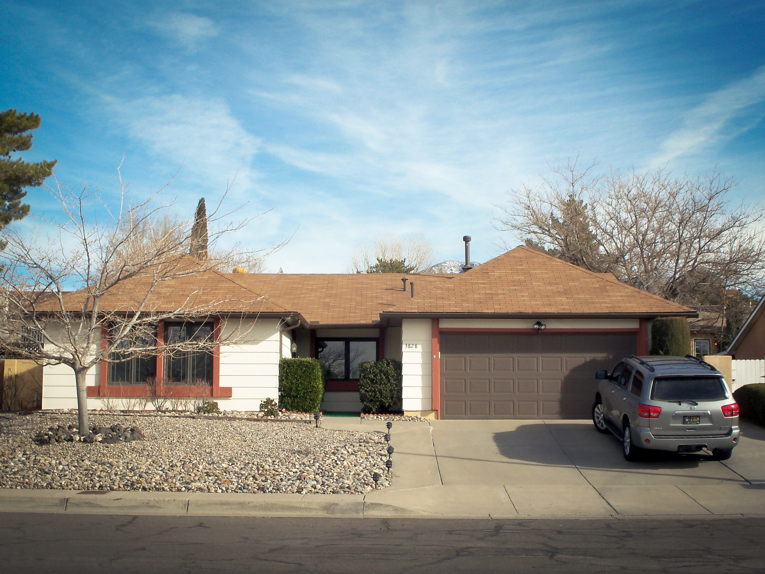 PHOTO CREDIT: The famous Breaking Bad house in Albuquerque actually belongs to the Padilla family. Photo is from  here  .