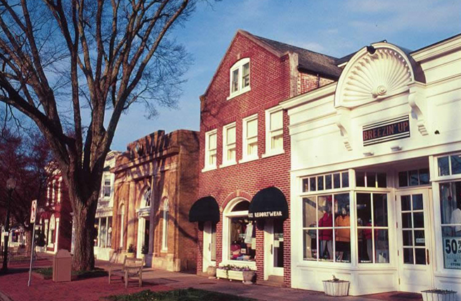 PHOTO CREDIT:  Above is a photo of some of the shops in the Village of East Hampton. Photo is from here .
