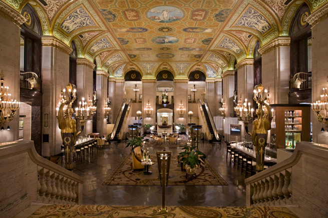 PHOTO CREDIT: The above photo of the Palmer House Hotel - where Contagion was filmed - is from here .