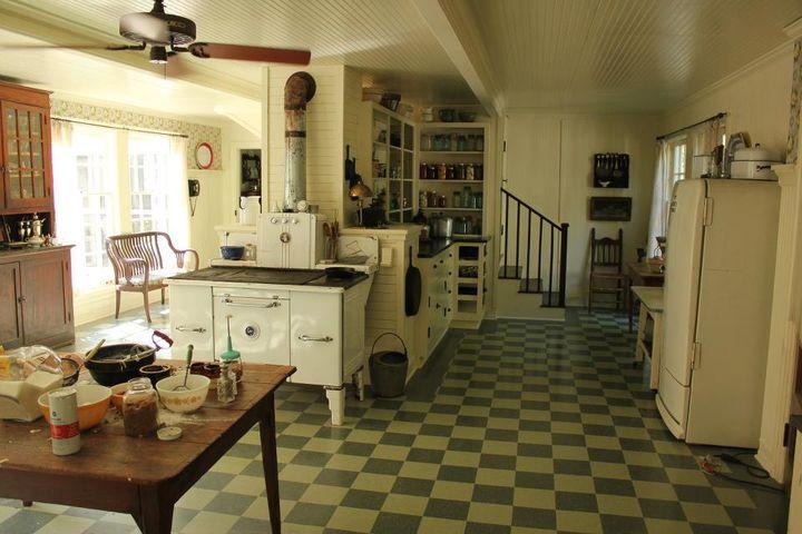 Image of Celia's house via  Google .