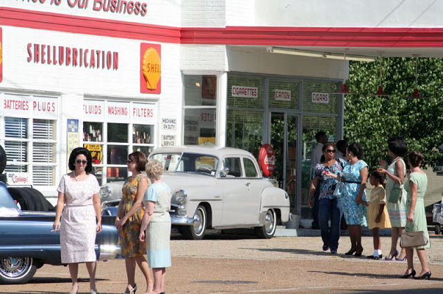 Photo of the Butterfly Yoga transformed into a Shell Gas Station for the movie is from here .