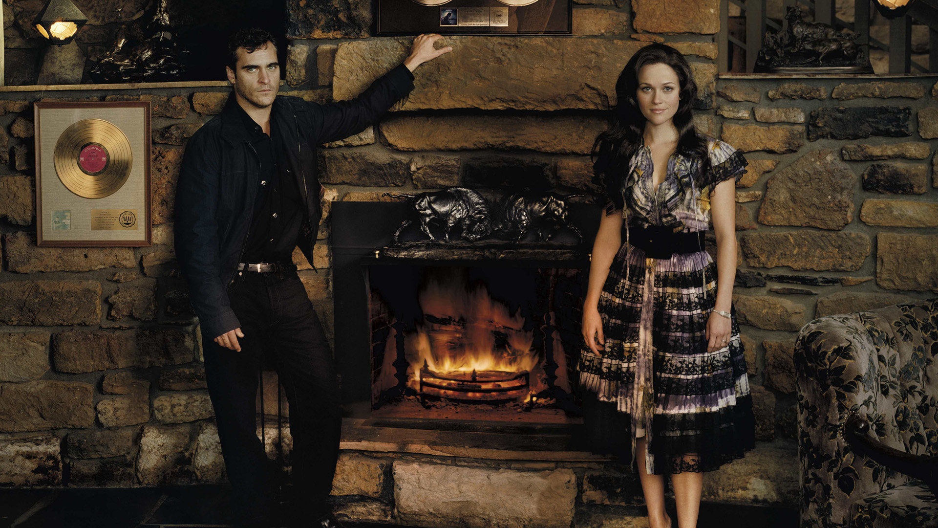 Joaquin Phoenix and Reese Witherspoon in  Walk The Line , filmed in Mississippi - image via  Google .