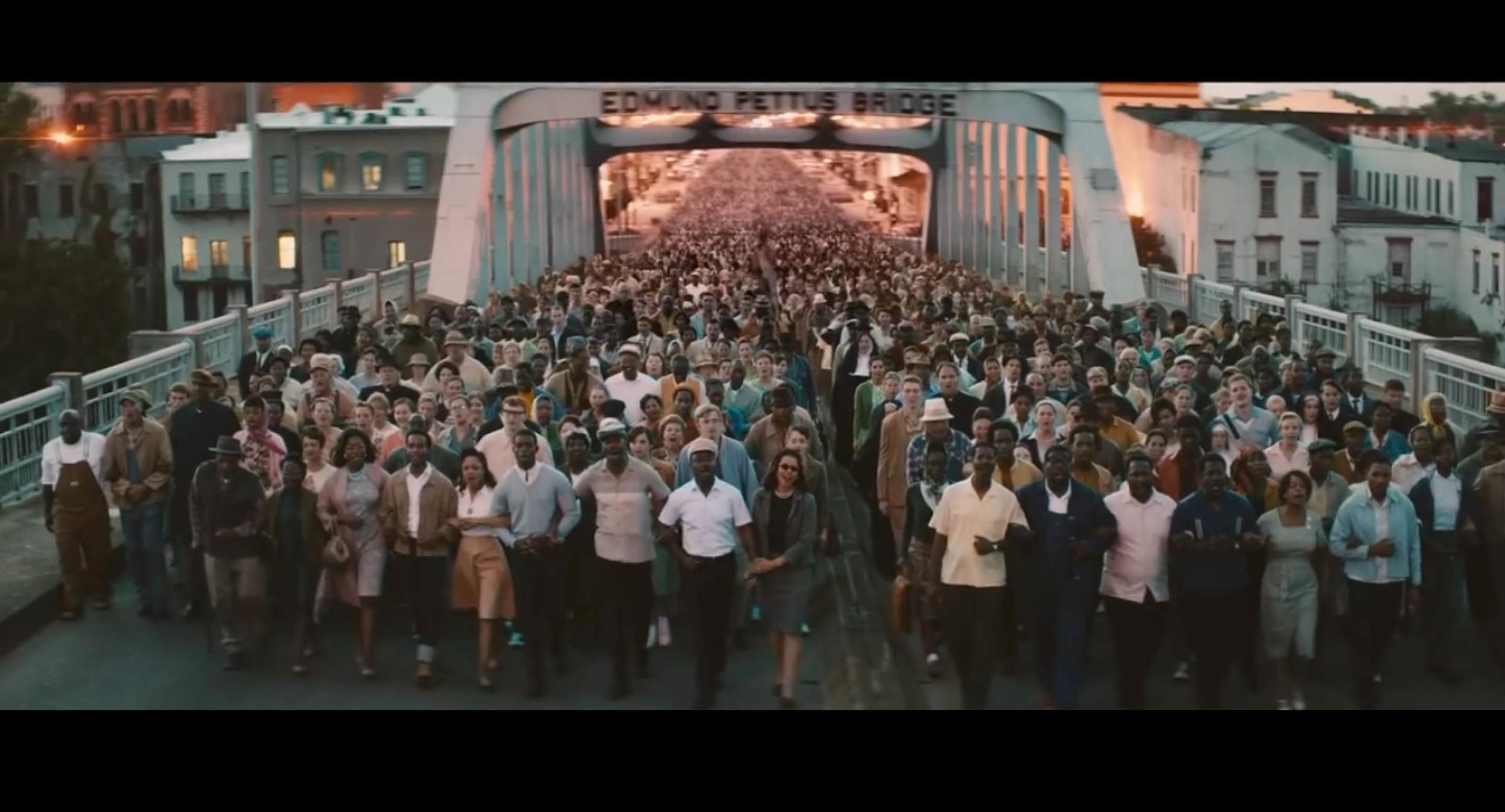 Screenshot from  Selma  of the secondmarch scene filmed on location on the Edmund Pettus Bridge in Selma, Alabama.