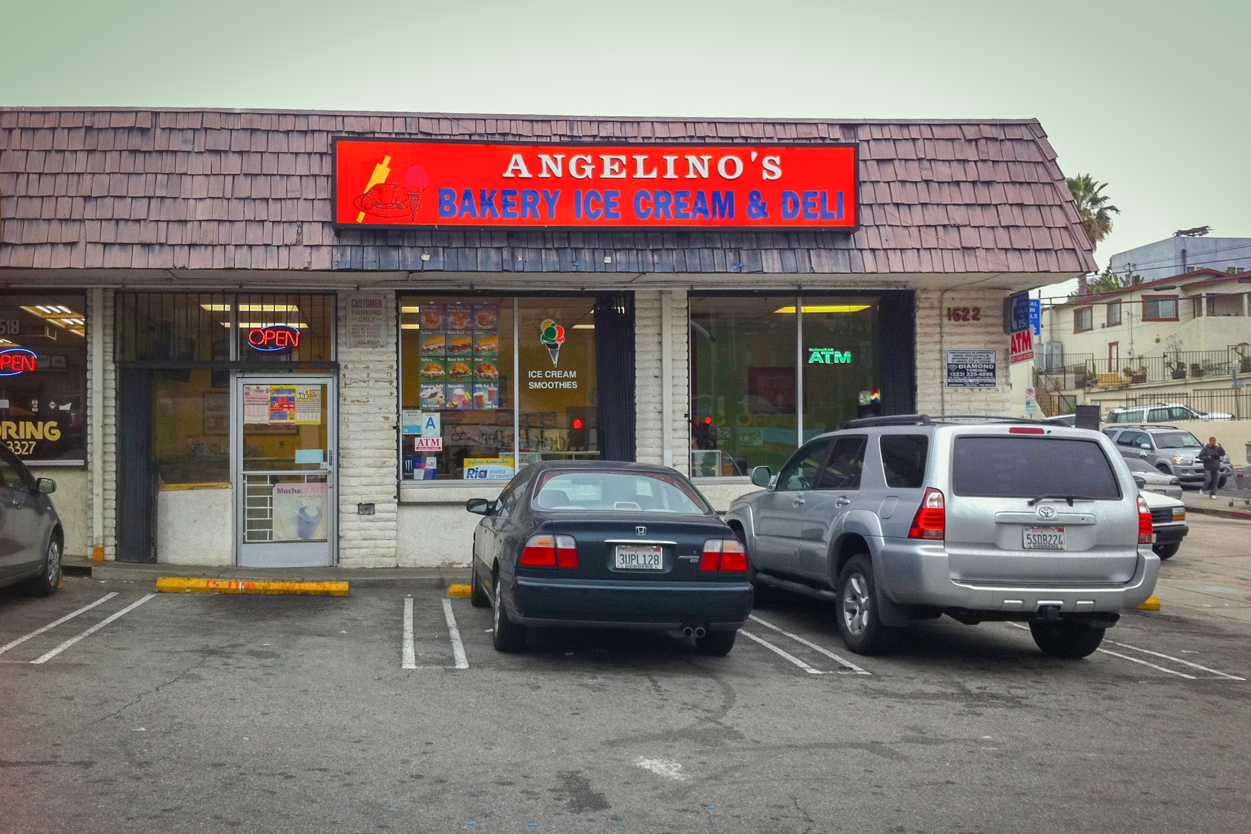 The parking lot of Angelino's Bakery is one of the film locations for  Nightcrawler  - image via  Google .