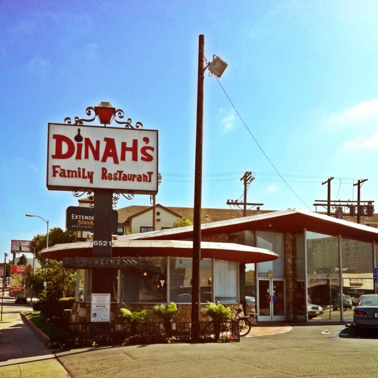 Dinah's Family Restaurant with its famous front-facing round windows, a favorite feature for filmmakers. Image via  Google .