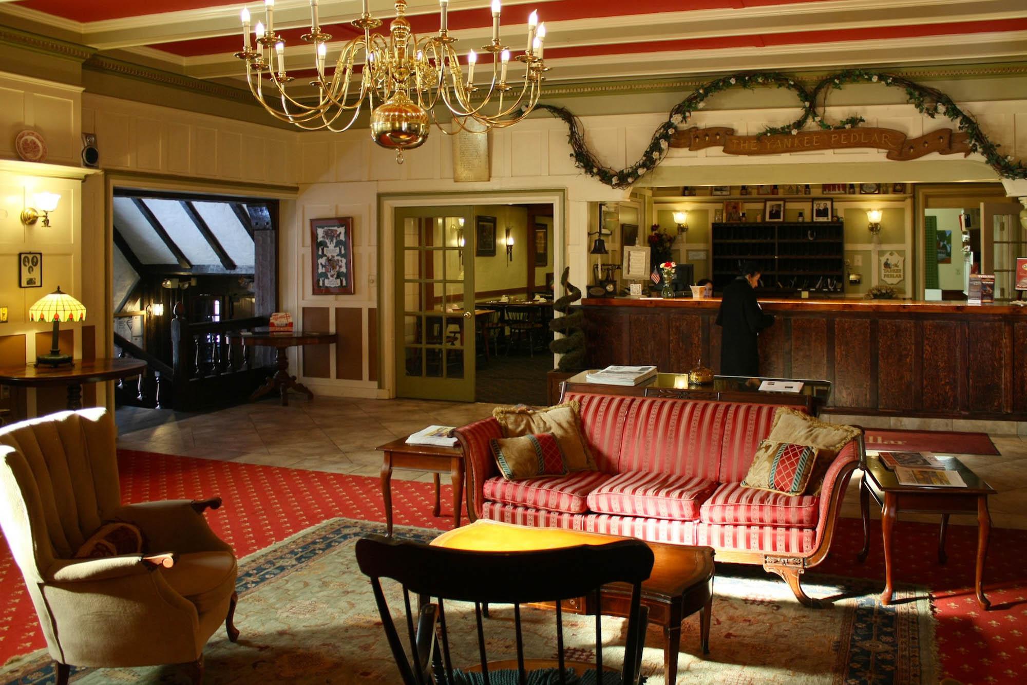 Photo of The Yankee Pedlar Inn via  Google .