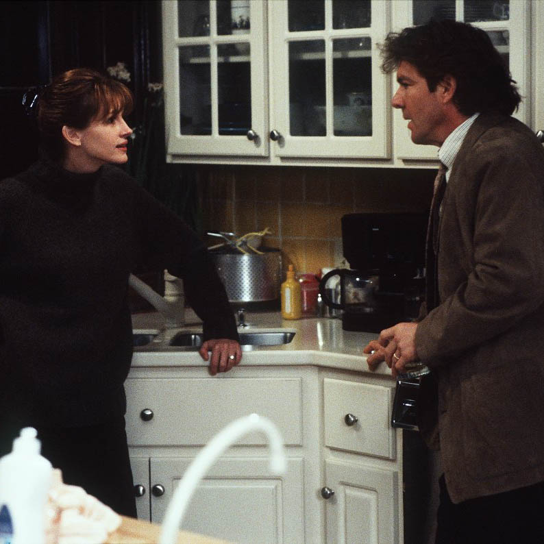 Julia Roberts and Dennis Quaid in  Something To Talk About , filmed partly in Savannah - image via  Google .