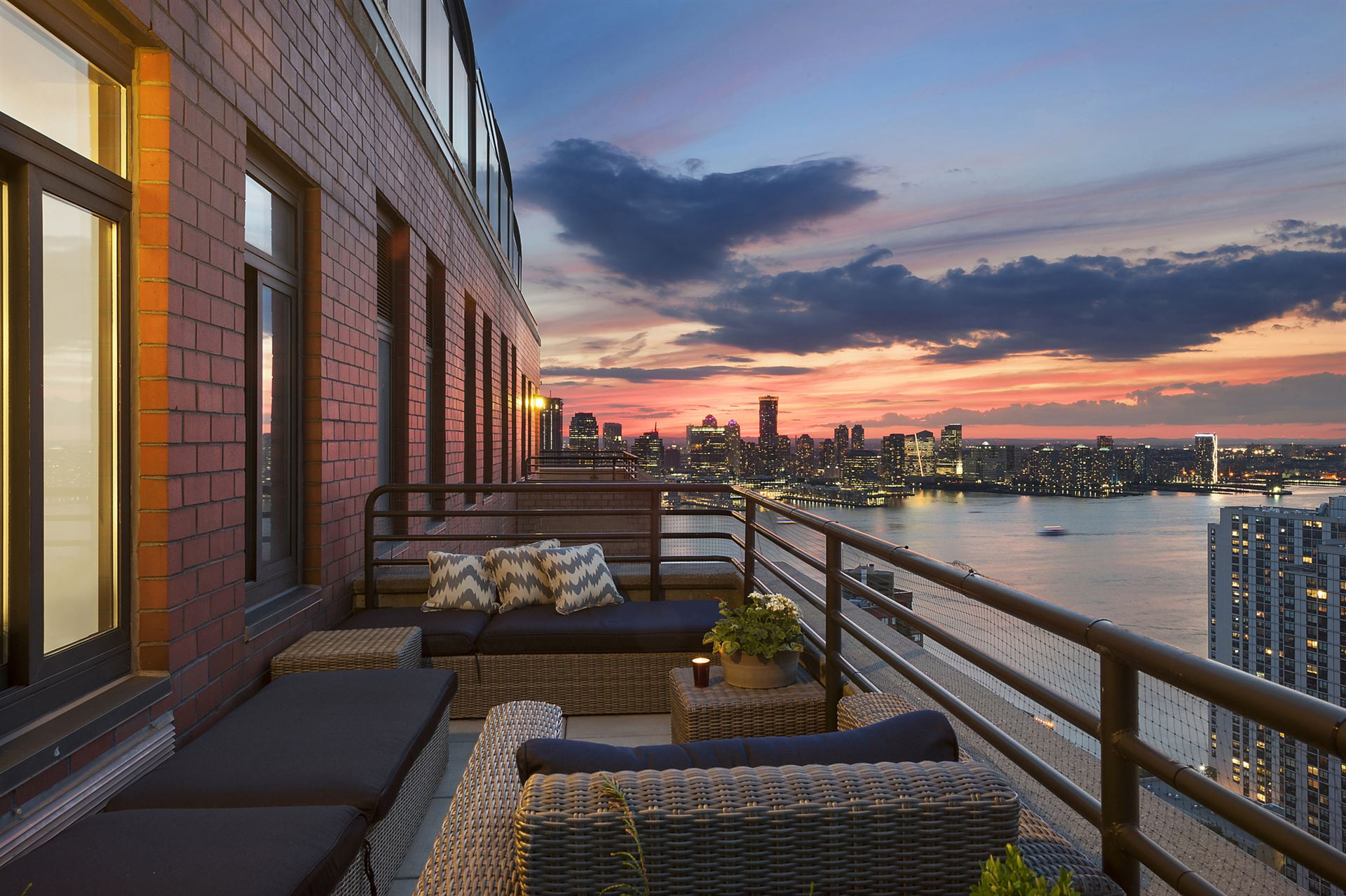 Featured Filming Location Manhattan Penthouse Apartment Locationshub