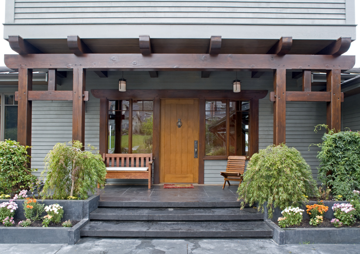 Large Modern Family Home in Bellingham - Front Porch