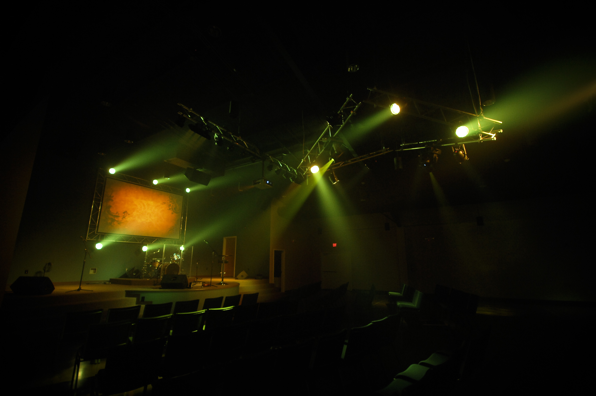Wynndale_house_of_worship_stage_lighting_sound.jpg
