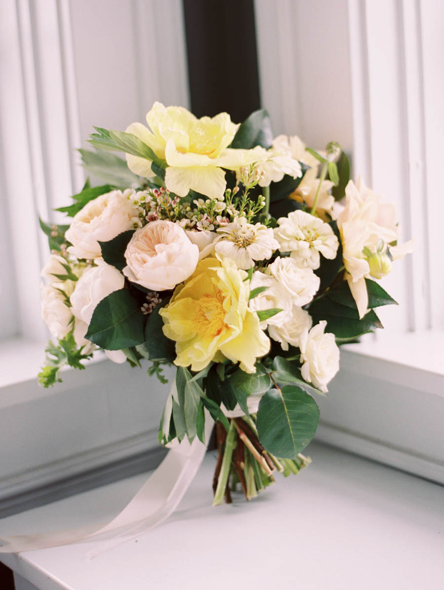 kateweinsteinphoto_wedding_stylemepretty_cheney_mansion_chicago_illinois105.jpg