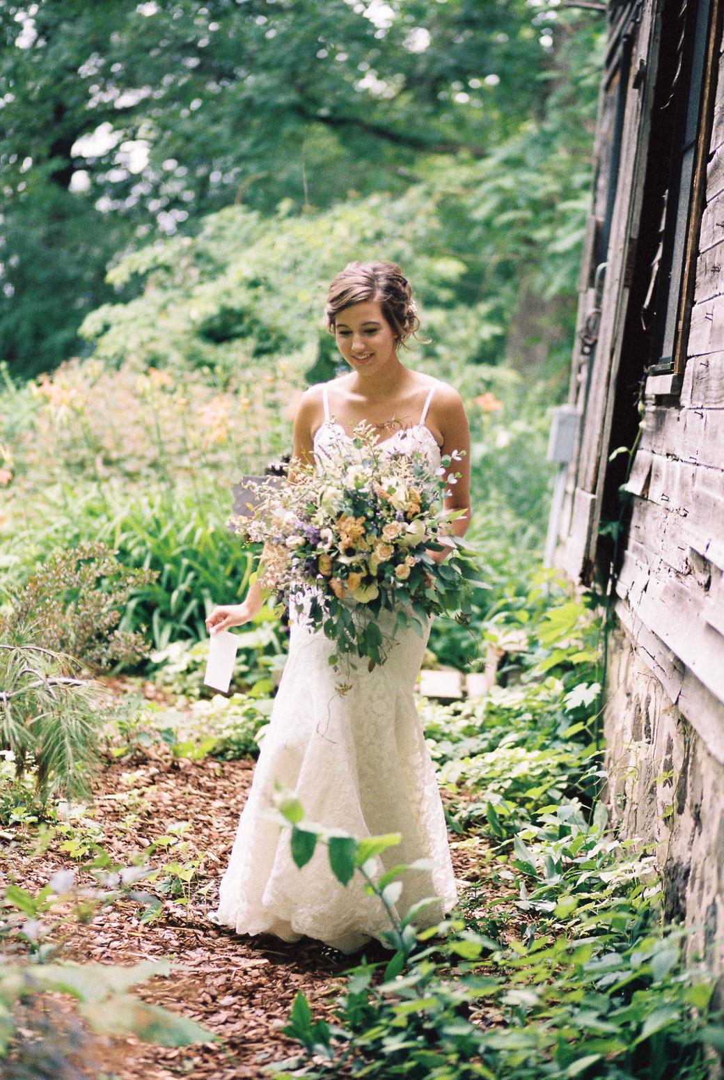 kateweinsteinphoto_farm_at_dover_milwaukee_wedding135.jpg