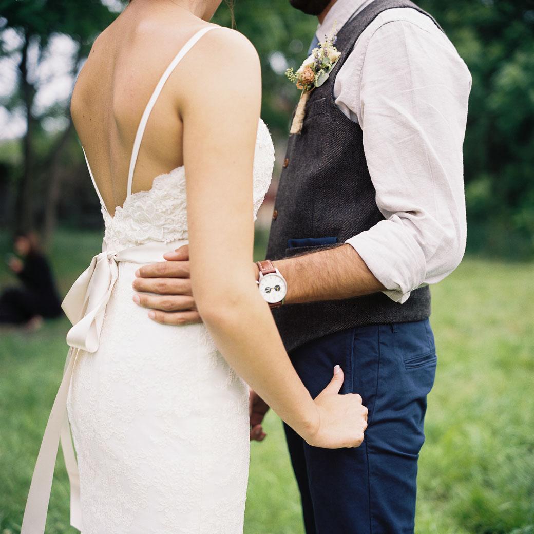 kateweinsteinphoto_farm_at_dover_milwaukee_wedding154.jpg