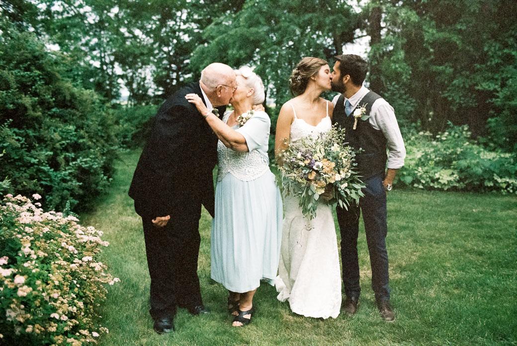 kateweinsteinphoto_farm_at_dover_milwaukee_wedding169.jpg