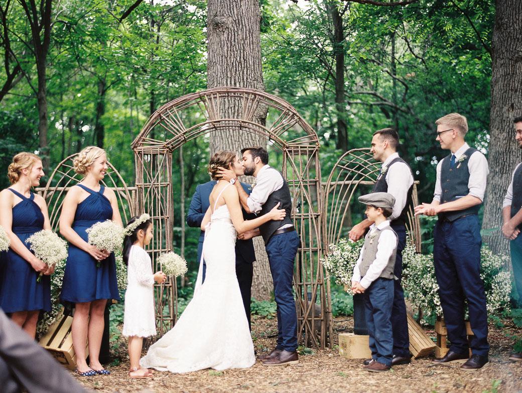 kateweinsteinphoto_farm_at_dover_milwaukee_wedding179.jpg