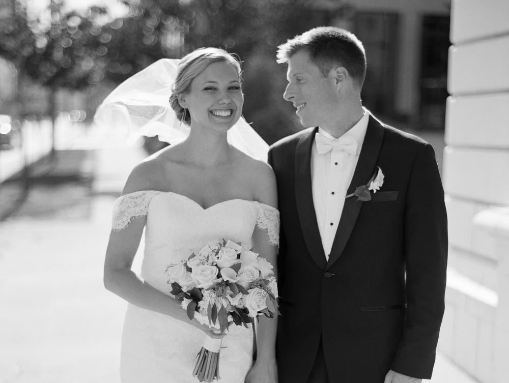 kateweinsteinphoto_milwaukee_pfister_hotel_wedding-141.jpg