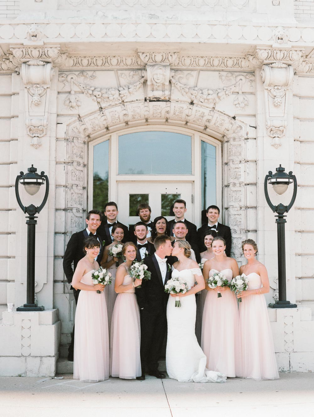 kateweinsteinphoto_milwaukee_pfister_hotel_wedding-144.jpg