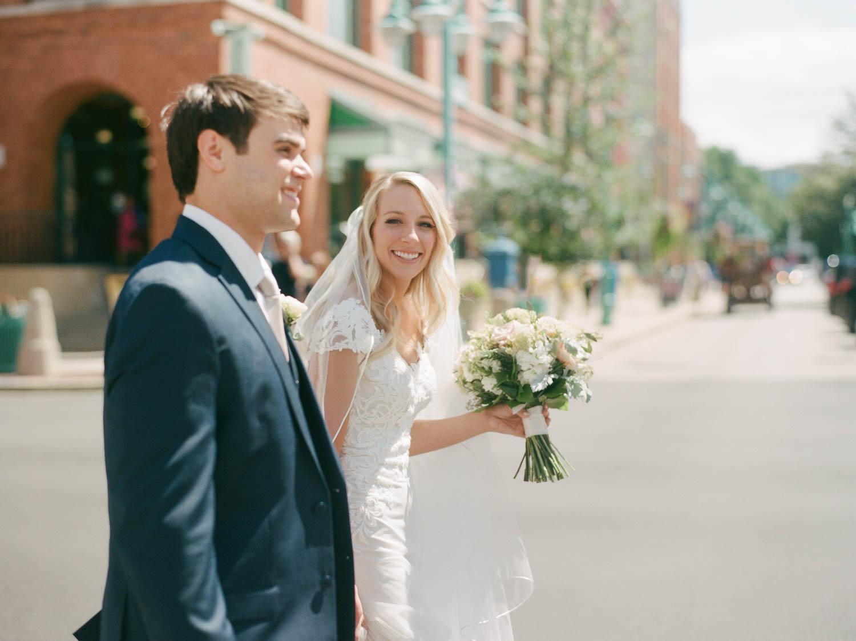kateweinsteinphoto_kimpton_milwaukee_the_atrium_wedding-136.jpg