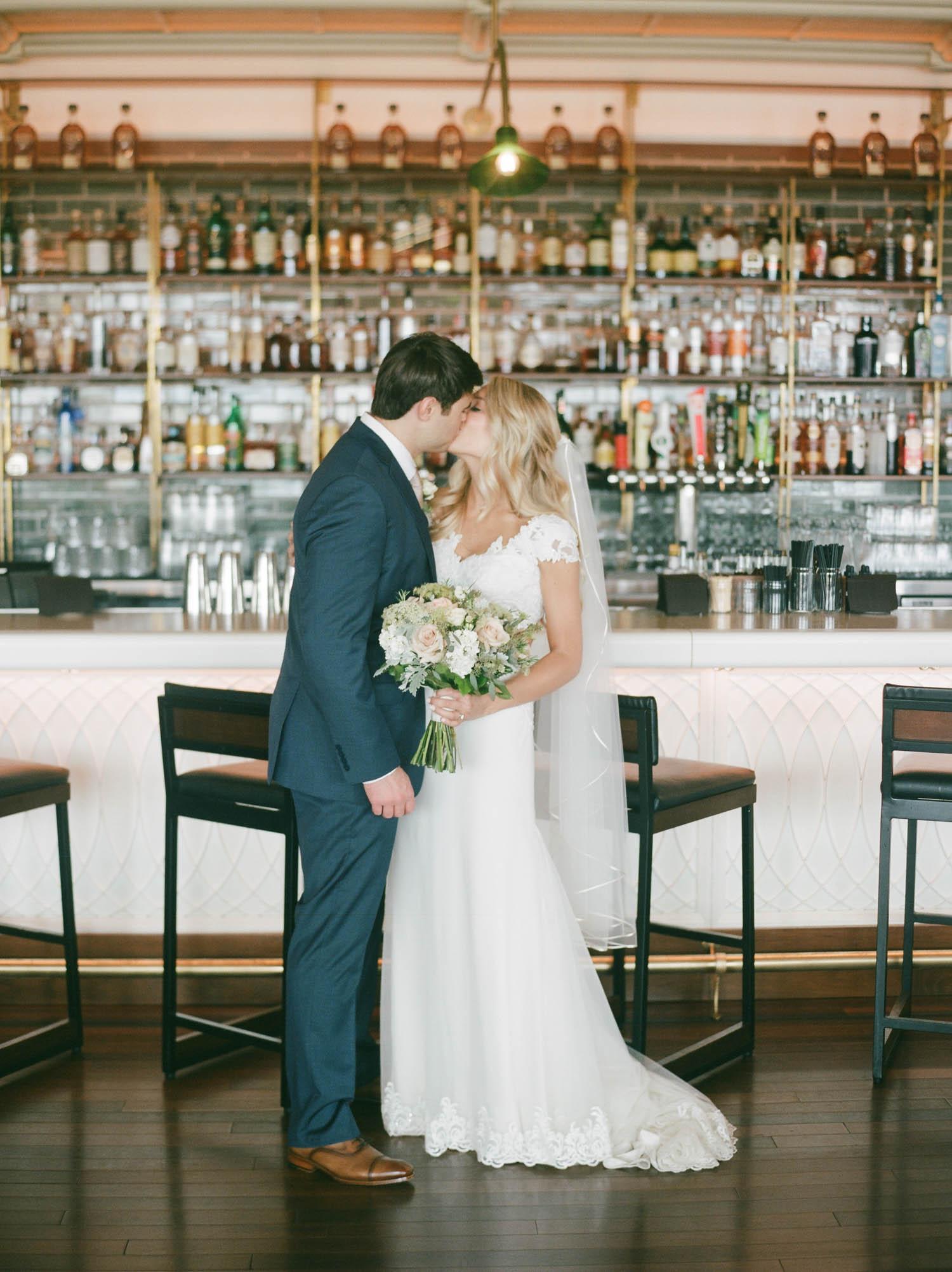 kateweinsteinphoto_kimpton_milwaukee_the_atrium_wedding-131.jpg