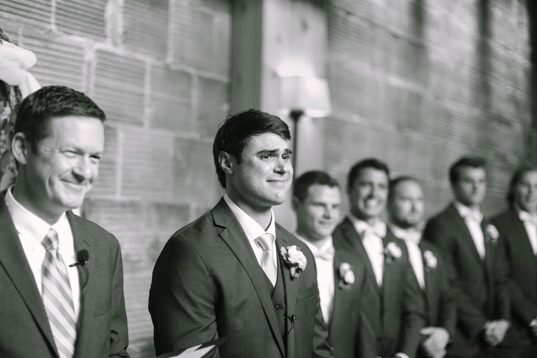kateweinsteinphoto_kimpton_milwaukee_the_atrium_wedding-201.jpg