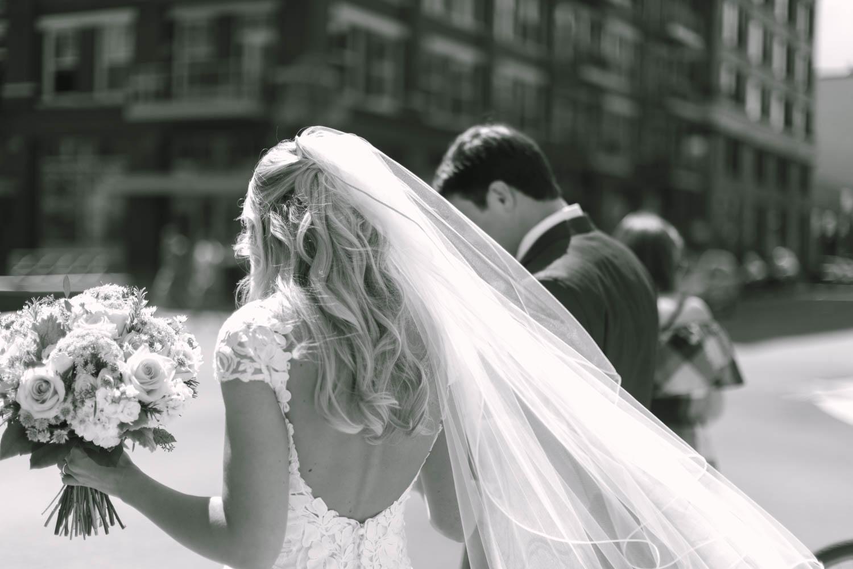 kateweinsteinphoto_kimpton_milwaukee_the_atrium_wedding-134.jpg